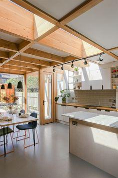 Modern Kitchen with a Striking Skylight - a Quick Outline - targetinspira Home Decor Kitchen, Kitchen Interior, Home Interior Design, Home Kitchens, Interior Architecture, Luxury Interior, Room Interior, Kitchen Ideas, Küchen Design