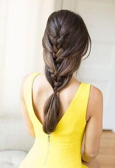 Swooning over this relaxed French braid ponytail.