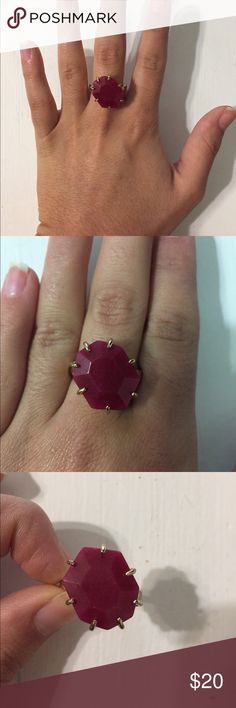 Kendra Scott Shelby Tilted Heptagon Ring Size 7 maroon and gold ring! Only worn a few times. Originally $40! Kendra Scott Jewelry Rings