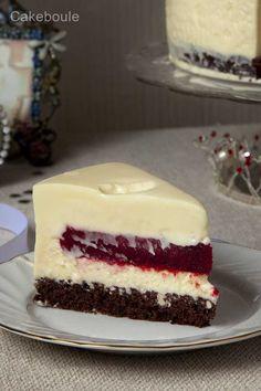 White Chocolate Mousse Cake wutg a Raspberry Blast Secret Center Cupcakes, Cupcake Cakes, Cupcake Ideas, Baking Recipes, Cake Recipes, Dessert Recipes, Chocolate Raspberry Mousse Cake, Cake Chocolate, Raspberry Filling