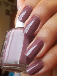 Essie Nail Colors Fall 2015 - Essie Nail Colors Fall 2015 , top 5 Nail Polish Colors for Fall Winter Miss Millennia Fabulous Nails, Gorgeous Nails, Love Nails, How To Do Nails, Pretty Nails, My Nails, Glitter Nails, Coral Acrylic Nails, Fingernails Painted