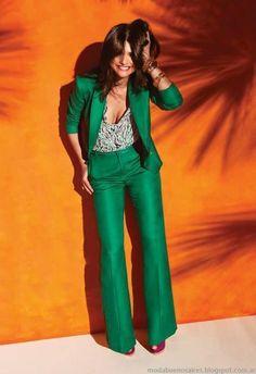 Lovin' this green suit! Fashion Mode, Suit Fashion, Work Fashion, Fashion Looks, Fashion Outfits, Womens Fashion, Fashion 2014, Parisian Fashion, Bohemian Fashion