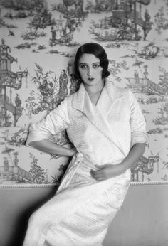 Renee Perle i(Juan les Pins,1931)~Photograph by Jacques-Henri Lartigue