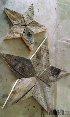 Easily add natural elements into your Christmas decor with these simple patchwork rustic stars. Free p