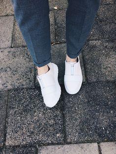 Dr. Martens Lylah Metallic Leather Slip-On Sneaker PBNMnAy