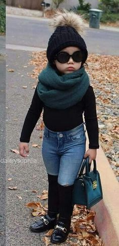 When trying to wear fall outfits for toddler girl, you wish to be sure that you pair this easy piece with something which is fitted in a different way. Baby Outfits, Cute Little Girls Outfits, Little Kid Fashion, Outfits Niños, Baby Girl Fashion, Toddler Fashion, Kids Fashion, Fashion Outfits, Toddler Girl Style