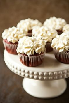 white hydrangeas on cupcakes to match wedding flowers - @Kailey Spence Henson