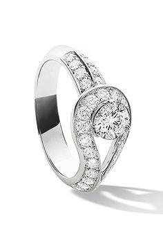 Van Cleef & Arpels Couture Solitaire Diamond, $8,400; vancleefarpels.com   - ELLE.com