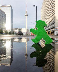 Hi :D #puddlegram #LittleGreenMan #AmpelmannWorld #FollowAmpelmann #ampelmannLifestyle #Berlin