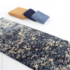 Imagine rug by Abyss and Habidecor blends well in a neutral or navy bath.