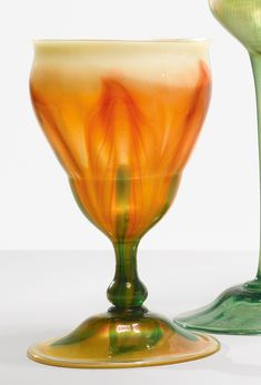 Tiffany Art, Tiffany Glass, My Glass, Glass Vase, Mediums Of Art, Louis Comfort Tiffany, Stained Glass Lamps, Antique Lamps, Flower Aesthetic