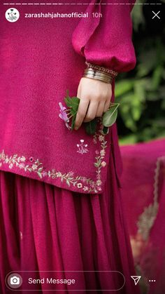 Womens Dress Suits, Suits For Women, Embroidery Bags, Embroidery Designs, Indian Designer Outfits, Designer Dresses, Embroidery Suits Punjabi, Silk Kurti, Dress Design Sketches