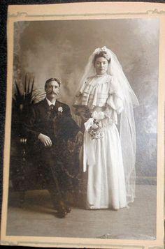 Vintage Wedding Photos, Vintage Wedding Theme, Vintage Weddings, Bride Gowns, Wedding Memorial, Royal Weddings, Wedding Veils, Here Comes The Bride, Wedding Attire