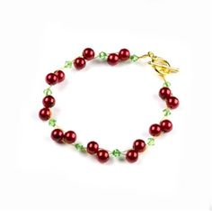 Christmas Berry Bracelet - This Prima Bead project pattern is perfect for…