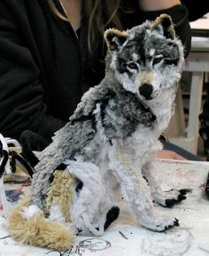 Pipe cleaner wolf... amazing piece of artwork