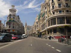 Gran Via, al lado Edificio Grassy. Madrid. España.