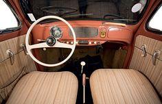 Volkswagen up! e Fusca 1956 Volkswagen Interior, Volkswagen Up, Vw Up, Custom Car Interior, Van Interior, Interior Work, Vw Super Beetle, Vw Beetle Convertible, Porsche