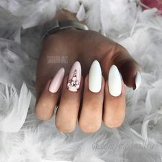 Looking for a fresh ideas for winter nail designs? ❤ We picked up for you the best photos of the most relevant winter nail art 2018 ❤ See more at LadyLife Nail Designs 2017, Bridal Nails Designs, Winter Nail Designs, Nail Art Designs, Classy Nails, Simple Nails, Trendy Nails, Really Cute Nails, Shellac Nails