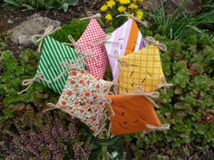 podzimní drak - Hledat Googlem Picnic Blanket, Outdoor Blanket, Draco, Autumn, Dragonair, Picnic Quilt