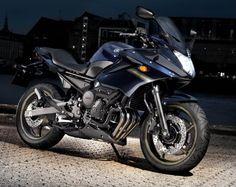 Die Yamaha XJ6