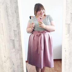 Insta-Outfit: Punkte-Shirt und rosa Rock // plus size outfit with a rose-pink skirt with a paperbag waist
