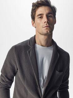 Knitted grey blazer