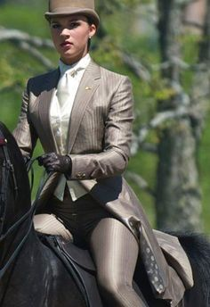 The most important role of equestrian clothing is for security Although horses can be trained they can be unforeseeable when provoked. Riders are susceptible while riding and handling horses, espec… Equestrian Boots, Equestrian Outfits, Equestrian Style, Equestrian Fashion, Horse Riding Clothes, Riding Boots, Riding Gear, Leder Outfits, Shark S