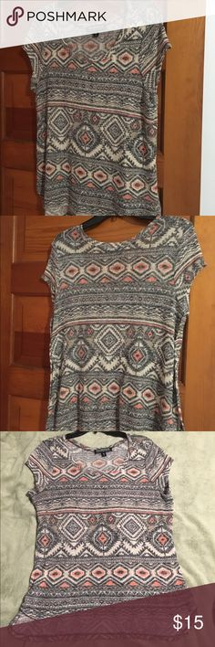 Younique tunic This Aztec tunic is beautiful,is longer in back then in front. Younique  Tops Tunics