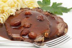 Deftiger Rheinischer Sauerbraten gehört zu den absoluten Klassikern der deutschen Küche. In diesem Rezept wird er mit Rindfleisch zubereitet.