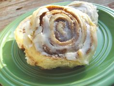 Double Batch of Amish Cinnamon Rolls - -Yum! Amish Cinnamon Rolls, this is a recipe you will want to try! If you have ever been to an Amish restaurant or tried food they have made, you know it is so tasty! No Yeast Cinnamon Rolls, Amish Cinnamon Roll Recipe, Cinnamon Butter, Cinnamon Cake, Yummy Food, Tasty, Amish Restaurant, Sweet Bread, Dessert Recipes