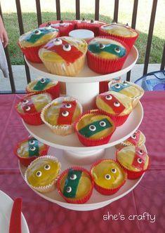 She's crafty: Super Hero Party L- easy ninja turtles Ninja Birthday Parties, Superhero Birthday Party, Kid Parties, School Parties, Birthday Ideas, Ninja Turtle Party, Ninja Turtles, Craft Projects For Kids, Kids Crafts
