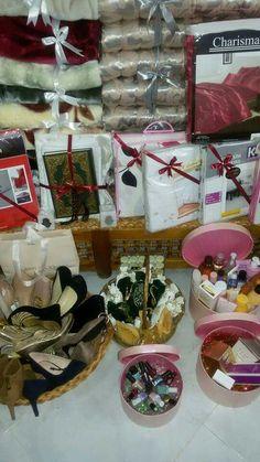 Big Wedding Cakes, Wedding Plates, Wedding Set Up, Wedding Prep, Wedding Events, Weddings, Wedding Card, Bridal Gift Wrapping Ideas, Wedding Gift Baskets