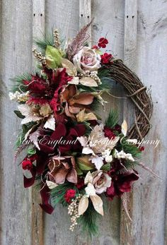 Newport Victorian Holiday Wreath