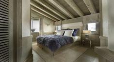 chalet schlafzimmer design pelzdecken holzdielen