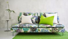 Have you discovered Bemz, yet ? Spoilt-for-choice sofa covers to fit all Ikea sofas. Soderhamn sofa cover from Bemz & Designers Guild, form a perfect partnership. Floral Furniture, Cool Furniture, Furniture Stores, Designers Guild, Ikea Bank, Tricia Guild, Lino Natural, Ikea Sofa, Piece A Vivre