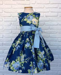Kids Frocks, Frocks For Girls, Little Girl Outfits, Little Dresses, Little Girl Dresses, Pretty Dresses, Kids Outfits, Girls Dresses, Flower Girl Dresses