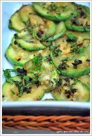 COMIDINHAS       FÁCEIS: Salada de abóbrinhas