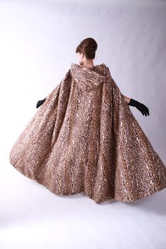 Oo-ee... fab faux fur leopard print cape with hood from Fab Gabs Vintage.