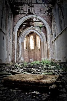 Abandoned Hospital, Abandoned Amusement Parks, Abandoned Cities, Abandoned Houses, Abandoned Belgium, Abandoned Train Station, Underground Bunker, Ghost Ship, Barcelona Cathedral