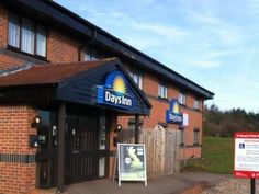 Warwick Days Inn Warwick South (Southbound M40) United Kingdom, Europe Days Inn Warwick South (Southbound M40) is a popular choice amongst travelers in Warwick, whether exploring or just passing through. Offering a variety of facilities and services, the hotel provides all you need for a good night's sleep. Service-minded staff will welcome and guide you at the Days Inn Warwick South (Southbound M40). Carpeting, television LCD/plasma screen, mirror, linens, internet access – w...
