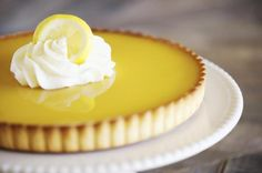 Classic French Lemon Tart is part of French Lemon dessert - The classic French lemon tart sings with its lemony flavors in a delicious pastry Use as both a dessert and for a snack with a cup of coffee Easy Lemon Tart Recipe, French Lemon Tart Recipe, Lemon Recipes, Tart Recipes, Lemon Desserts, Fun Desserts, Dessert Recipes, French Quiche Recipe, Recipe Using Lemons
