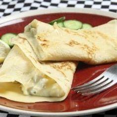 Deliciosa panqueca sem farinha, da culinarista Malu Lobo do site Pé da Cozinha.- 300 g de frango cru,  2 ovos, 1 pote de iogurte desnatado, 1 /2 xíc. de água, 1 col. sopa azeite de oliva, 1 col. sopa mostarda, Sal, pimenta, salsa e cebolinha. Modo de preparo: No liquidificador ou processador, bata os ingredientes até ficar mais leitosa e não muito grossa, na panela anti aderente, coloque as colheradas, doure dos dois lados e recheie com legumes cozidos ou mix de folhas e tomate.