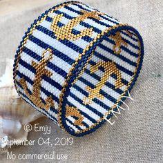 - Bangle bracelet woven in miyuki delimcas beads - - Peyote Beading Patterns, Beaded Bracelet Patterns, Weaving Patterns, Loom Beading, Bracelet Designs, Beaded Jewelry, Bead Patterns, Handmade Jewelry, Bead Weaving