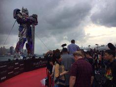 คืนนี้ 2ทุ่มครึ่ง #ตนหนัง ห้ามพลาดด้วยประการทั้งปวง!!  Transformers :Age of Extinction World Premiere & Red Carpet   #MusicStyleMAYAME #UBON #อุบล ติดตาม Livestream แบบสด ๆ ที่ลิงค์นี้ http://uk.movies.yahoo.com/transformers-4  ขอบคุณภาพจาก fb.TransformersThailand หรือติดตามได้ทาง twitter @VJ_VirinZy https://twitter.com/VJ_VirinZy นะจ๊ะ