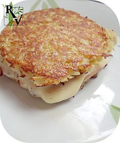 Vegetarian Croque Monsieur with Potatoes Vegan Vegetarian, Vegetarian Recipes, Healthy Recipes, Vegan Catering, Veg Sandwich, Paleo Nutrition, Happy Foods, Light Recipes, I Love Food