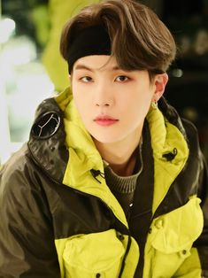 """yoongi with bandana and headband; a thread to attack you"" Jungkook Jeon, Kim Namjoon, Min Yoongi Bts, Kim Taehyung, Jung Hoseok, Bts Bangtan Boy, Seokjin, Billboard Music Awards, Foto Bts"