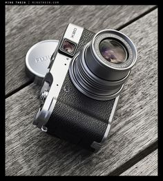 Fuji X20 a beautifully retro styled compact camera, with a very fast lens