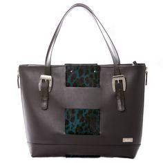 Shanks Bag Green Leo © alexreinprecht.at Green Bag, You Bag, Shank, Fashion Bags, Leather Bag, Leo, Purses, Accessories, Handbags