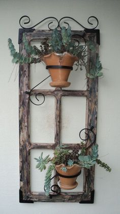 On A Budget DIY Projects Pallet Garden Design Ideas,indoor jungle,Small Spaces Garden ideas,Plant sh Hanging Plants, Garden Projects, Pallet Garden, Diy On A Budget, Country Decor, Diy Garden Projects, Old Window Decor, Primitive Decorating Country, Plant Decor