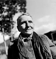 Gertrude Stein (February 1874 – July From Four Saints in Three Acts Pigeons on the grass alas. Pigeons on the grass alas. Transgender, Types Of Psychology, How To Be A Happy Person, Alice, American Literature, Butches, Perfect World, Love People, Poetry